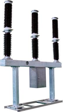单向阀打开,辅助压气室内压缩气体进入膨胀室,产生气吹,在电流过零点图片